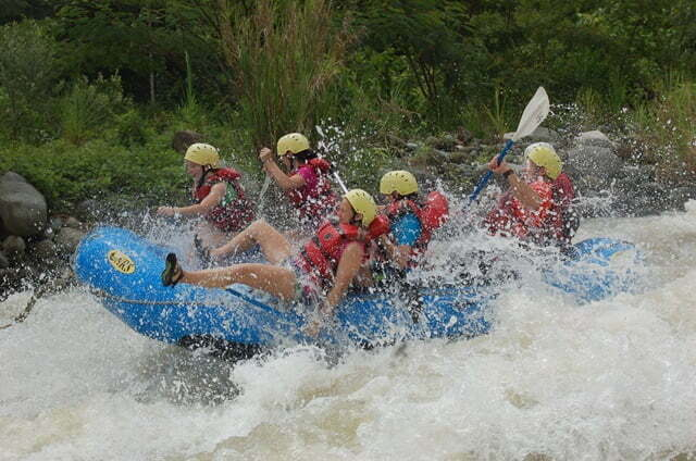 Rafting in Savegre River